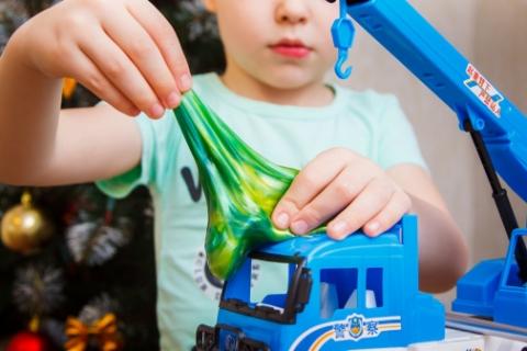 Хімічні іграшки - безпечна забавка чи загроза здоров'ю дитини?