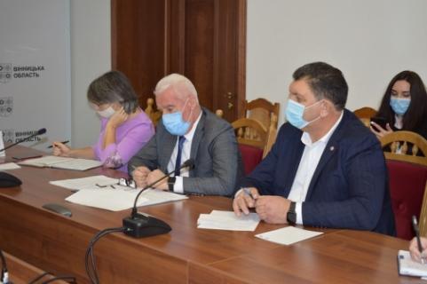 На Вінниччині представники влади та підприємці обговорили шляхи формування сприятливого бізнес-середовища у регіоні